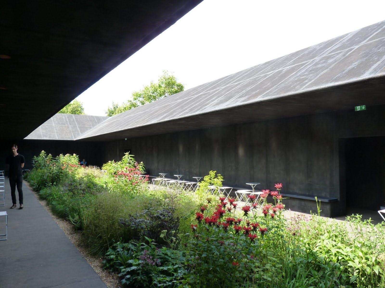 Serpentine courtyard Peter Zumthor Architecture