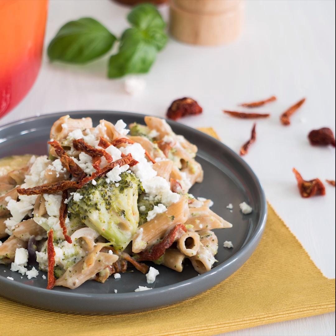 One-Pot-Pasta mit Zucchini, Brokkoli & Feta #onepotpastarecettes