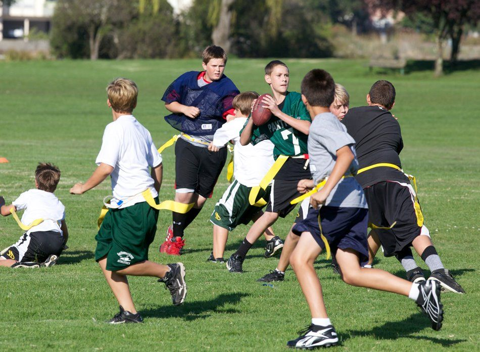 Flagfootball Www Sandomenico Org Bayareaschools Sports With Images Independent School Physical Education School