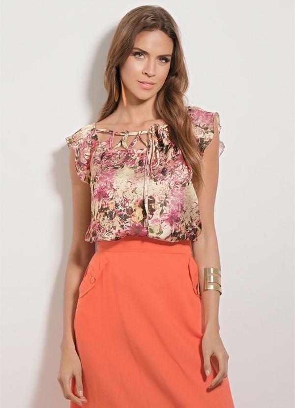 307238ac4 Blusa de Cetim (Floral) Quintess com Amarração … | Coisas para usar ...