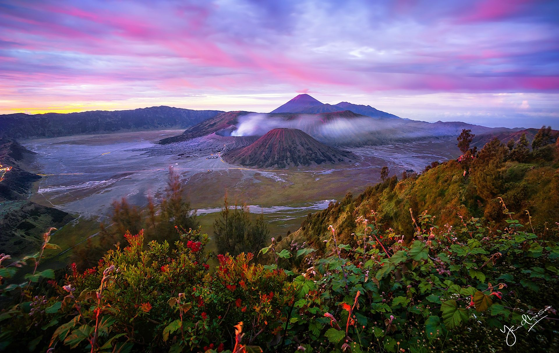 Dawn by Yudhisa Putra / 500px Amazing nature, Magical