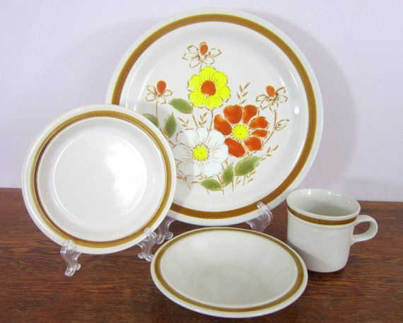 Vintage Daniele Collection Dinnerware Set 12 by CedarRunVintage