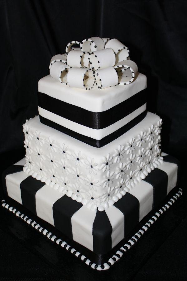 Black and White Wedding cake 2 Black