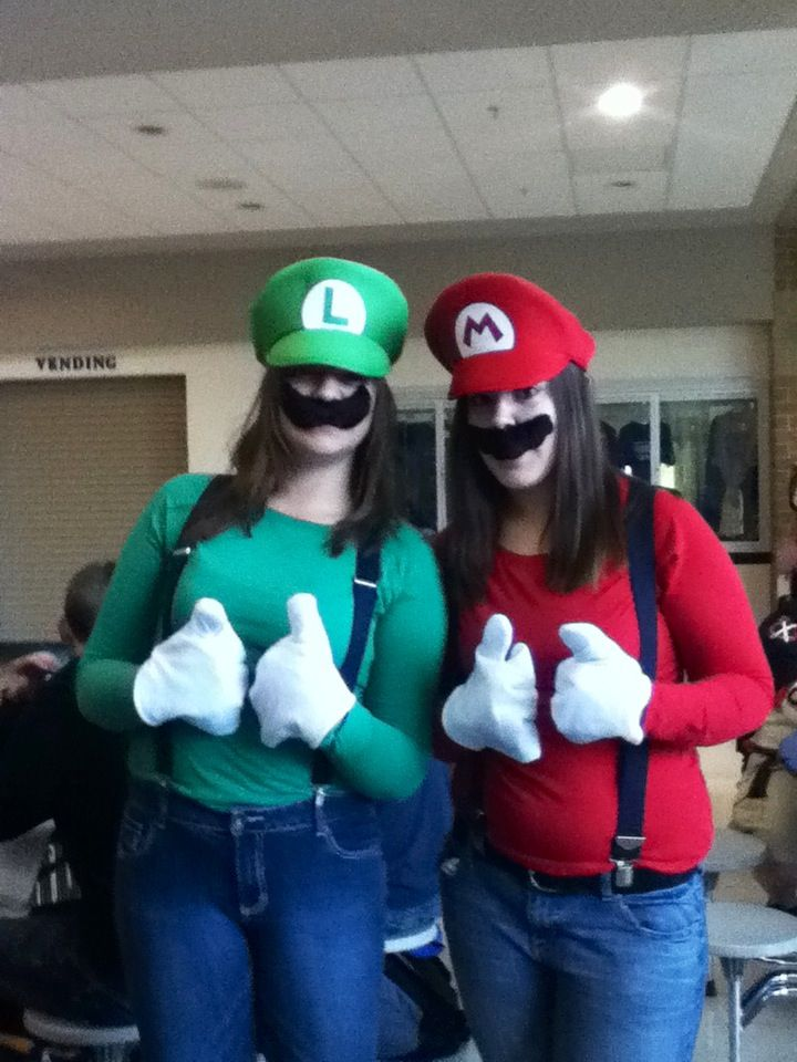 twin day during homecoming week  me and my bestie were mario and luigi. Cute twin day outfits for girls     Twins   Pinterest   Girls  For