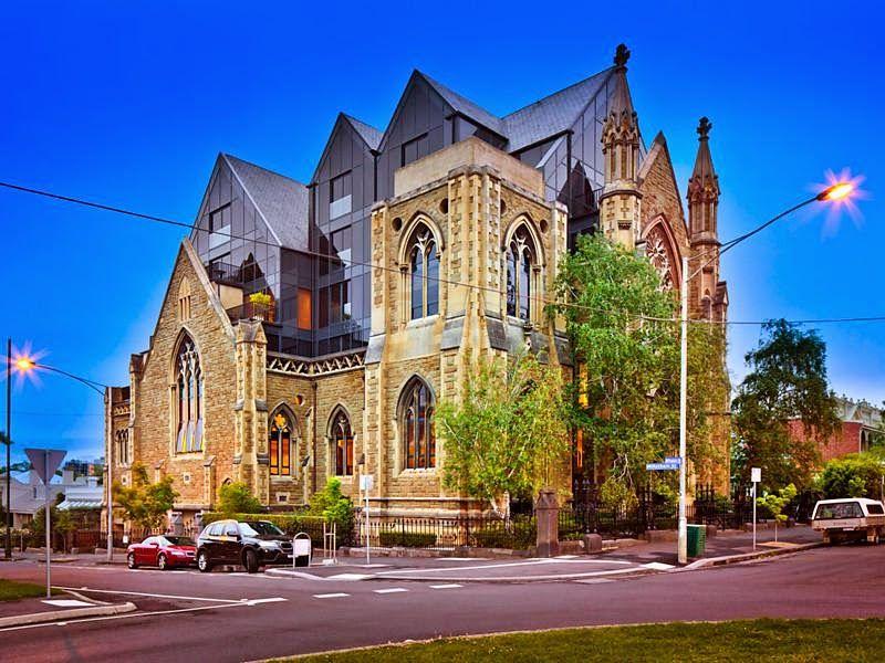 La Buhardilla - Decoración, Diseño y Muebles: Impresionante edificio de apartamentos en una anti...