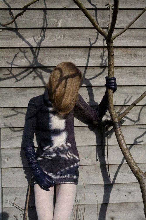 shoulderblades:  christian wijnants autumn/winter 2008-09 photographed by viviane sassen