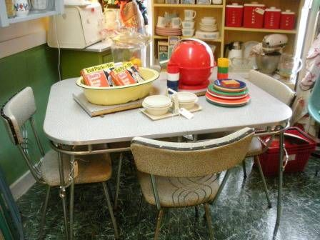 Vintage Retro Gray Formica/Chrome Kitchen Table & 4 Chairs