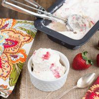 8 oz cream cheese, 2 c cream, 5 oz strawberries and on-hand ingredients. Cooked. 8 servings at 4 net each