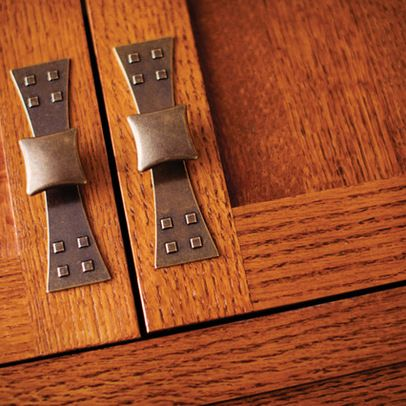 Elegant Craftsman Style Cabinet Hardware with Backplate