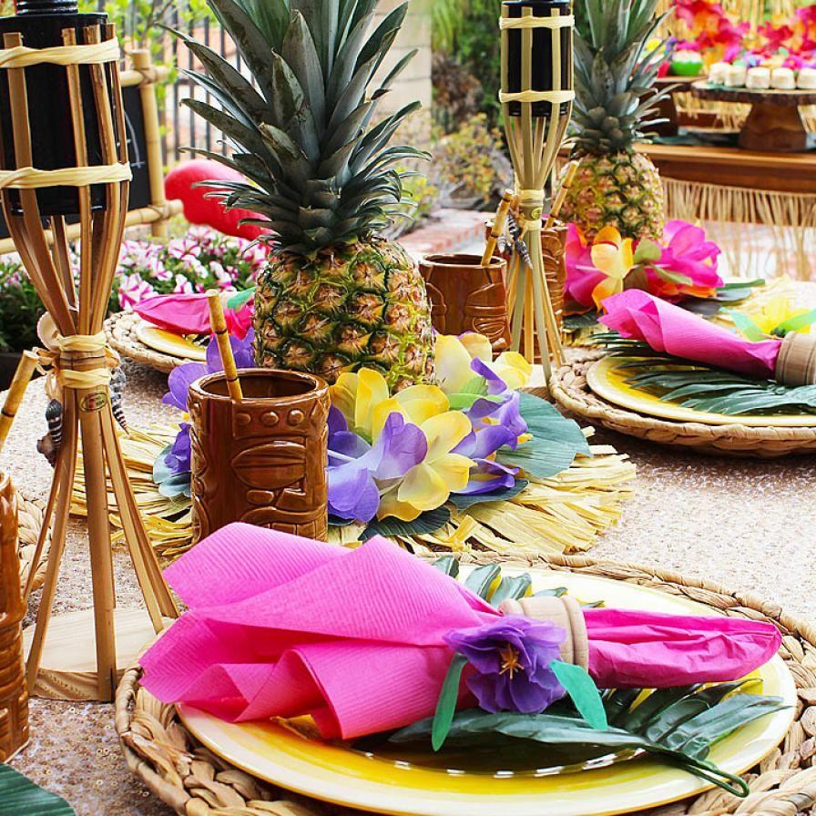 атрибуты для вечеринки в гавайском стиле фото женщина получила