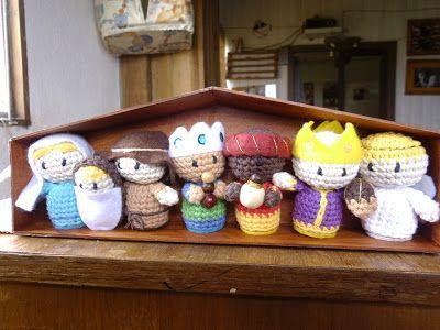 Es un Mundo Amigurumi  Crocheted Nativity