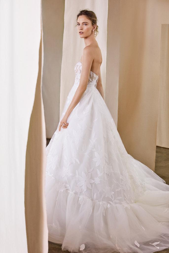 Fur Mutige Und Originelle Braute Entdecken Sie Die Justin Alexander Signature Kollektion 2020 Tull Ballkleid Justin Alexander Signature Kleid Hochzeit