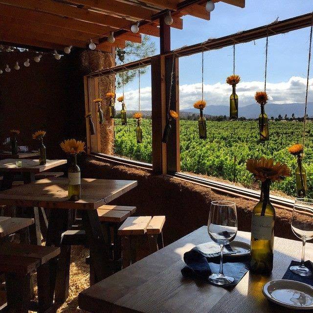 Un lugar especial para un momento especial! Esto es Deckman's En El Mogor, deliciosa comida, vino y espectaculares vistas! Descubrelo en tu próxima visita a la ruta del vino en #Ensenada! Aventura por drewtewksbury
