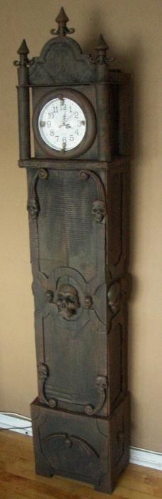 Skull Clock only made from cardboard and painted black