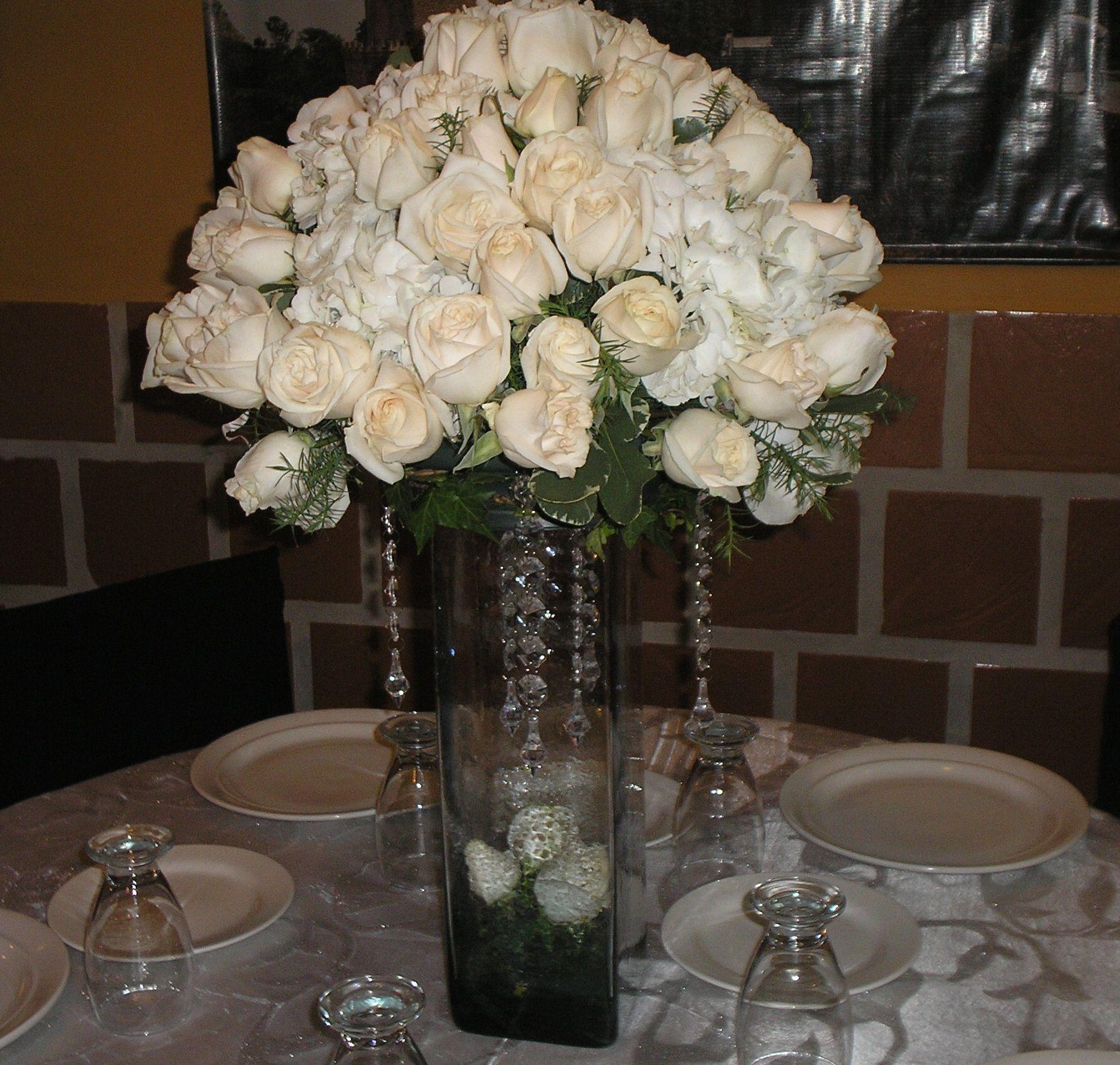 Centro de mesa en hortensias blanca colombianas y rosa - Cristales para mesa ...