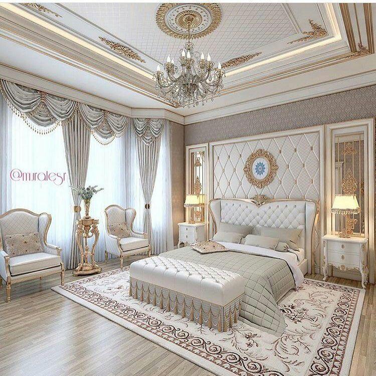 Luxury Bedroom Cream And White Beautiful Chandelier ベッド