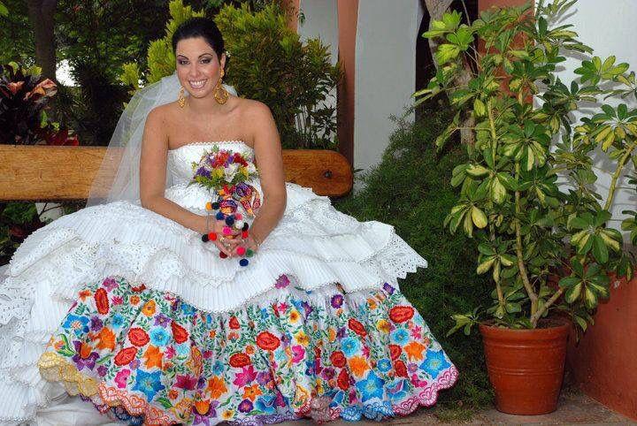Vestido de novia, bordado mexicano!  – Boda