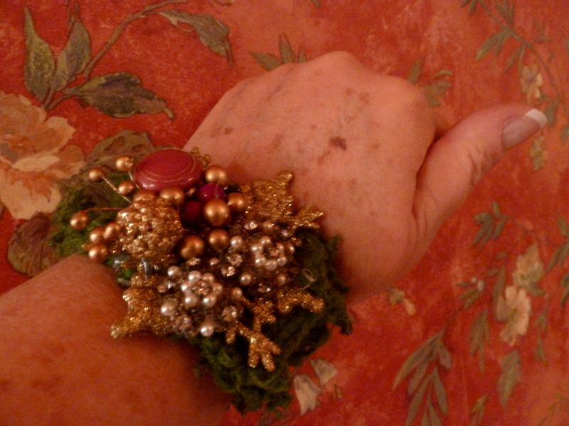 Christmas corsage bracelet...old buttons..green sweater for band.