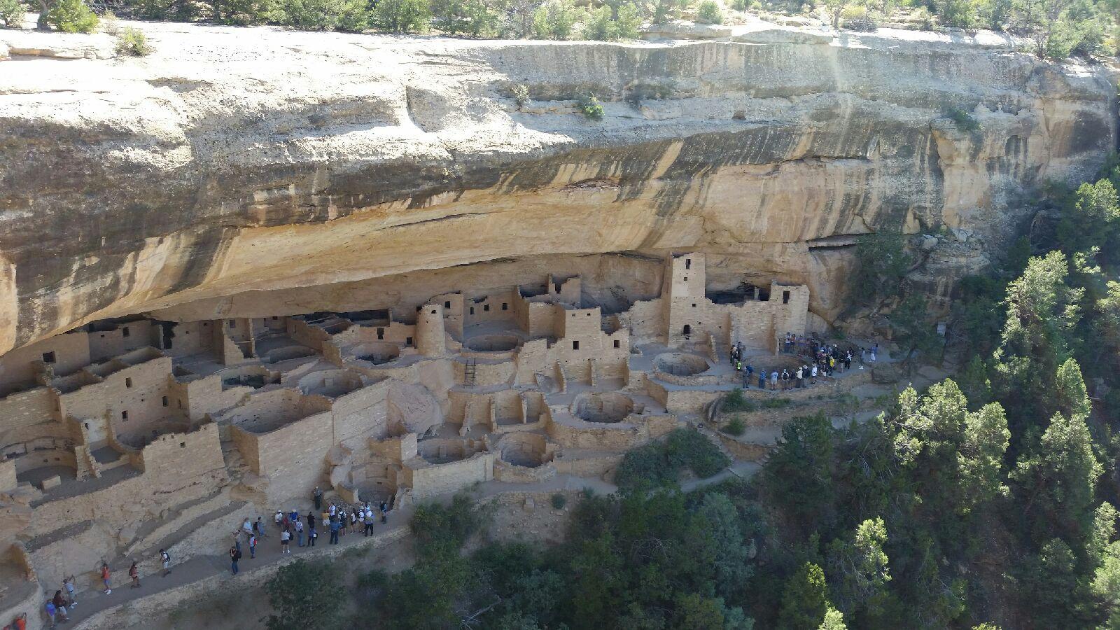Anasazi Cliff Dwellings - Pueblo - Mesa Verde Colorado