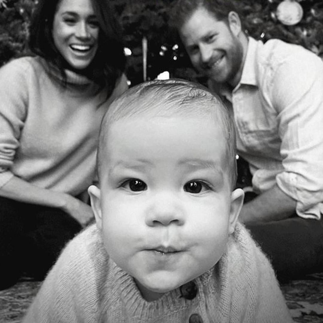 Buzzfeed Celeb On Instagram Baby Archie Is The Star Of Harry And Meghan S Family Christmas C Prince William And Kate Prince Harry And Meghan Harry And Meghan