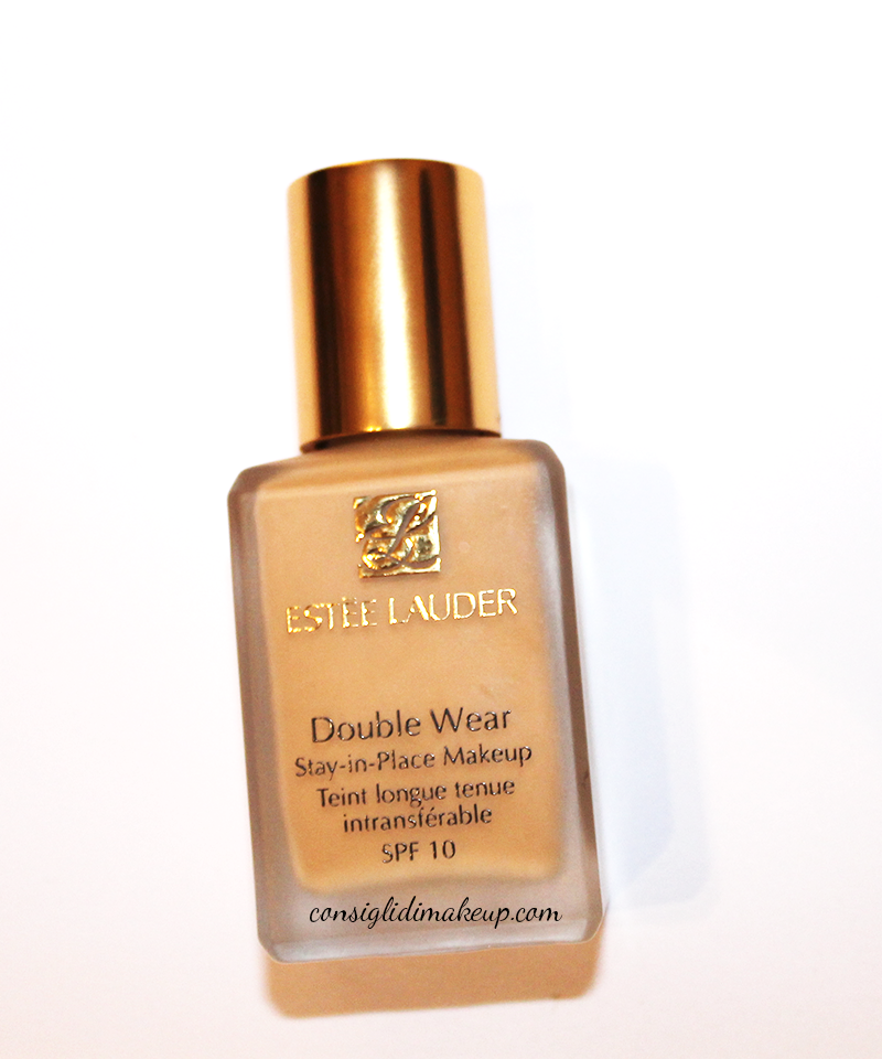 Consigli di Makeup Review Double Wear Stay In Place