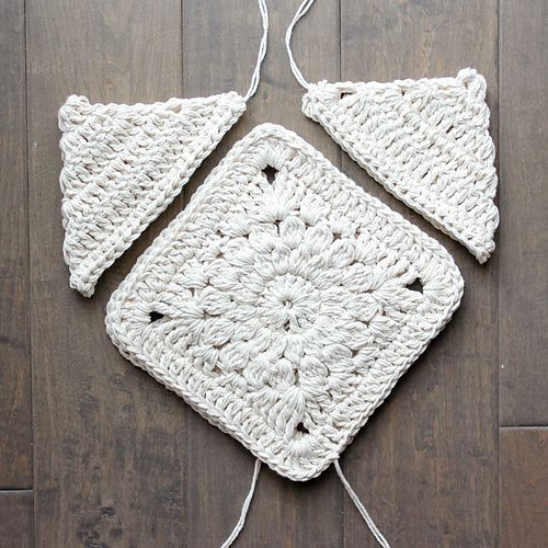"""With interesting construction and tons of texture, this """"Urban Gypsy"""" boho bag pattern is loaded with bohemian charm!"""