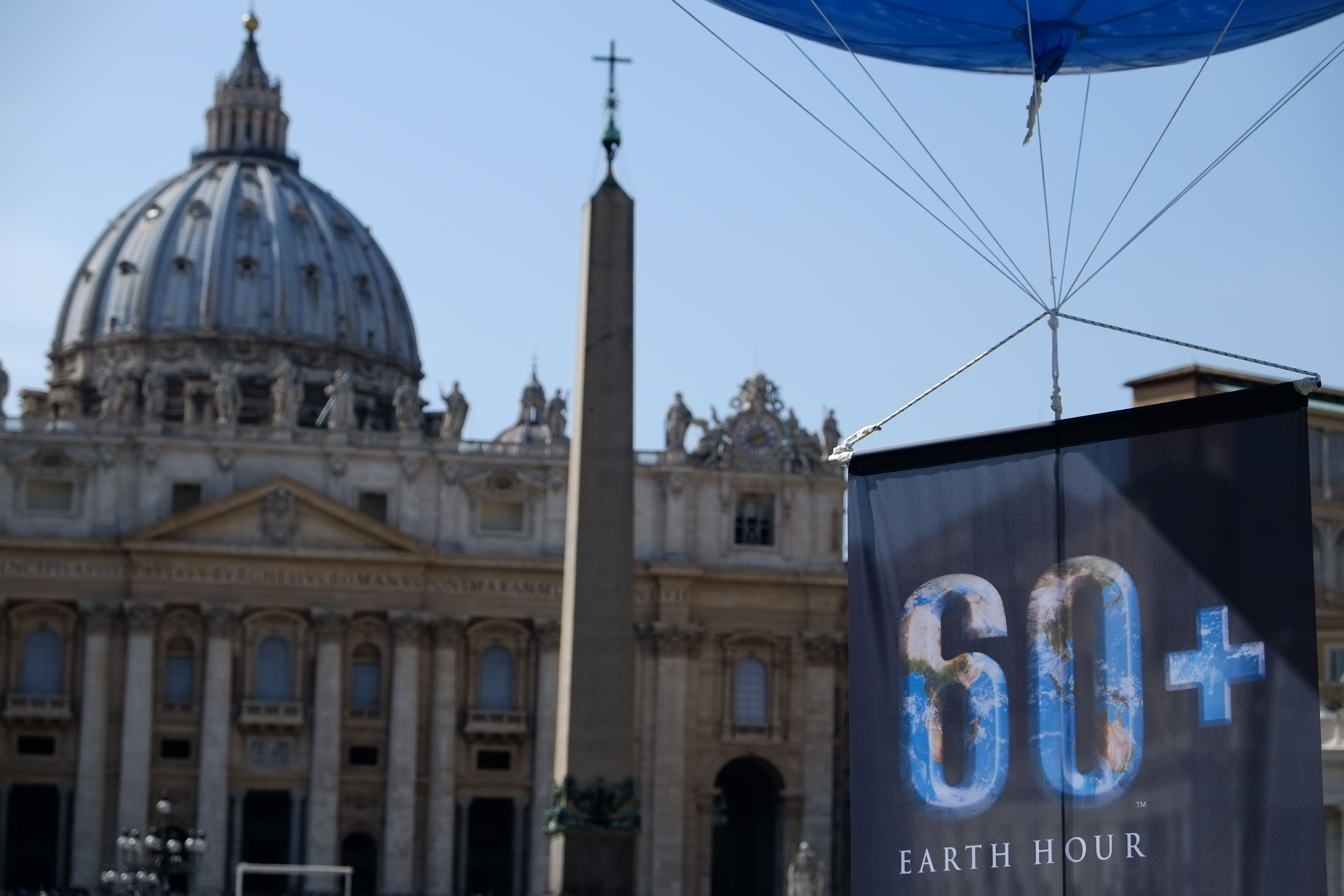 Waiting #EarthHour 2014 in Rome St.Peter Vatican