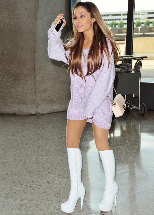 67cd48ddd12 Ariana Grande lilac sweater