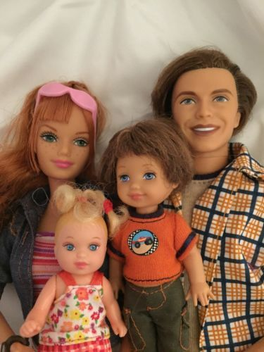 Barbie Happy Family Kelly Ryan Tommy doll from pregnant Midge collection Outfit