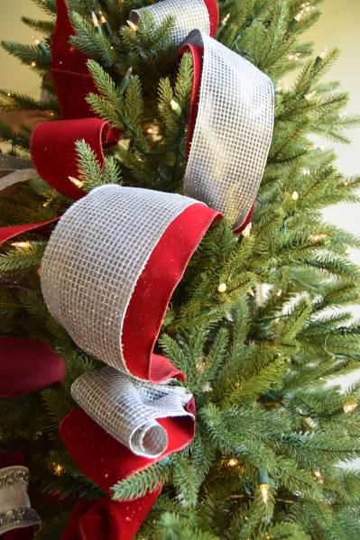 Brad Schmidt S Ribbon Decorating Ideas For Christmas Trees Ribbon On Christmas Tree Elegant Christmas Trees Christmas Tree Decorations Ribbon