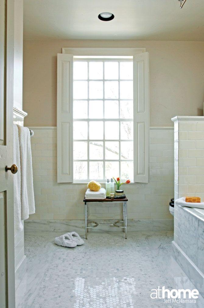This elegant #bathroom belongs to Barbara Sallick cofounder of @Waterworks