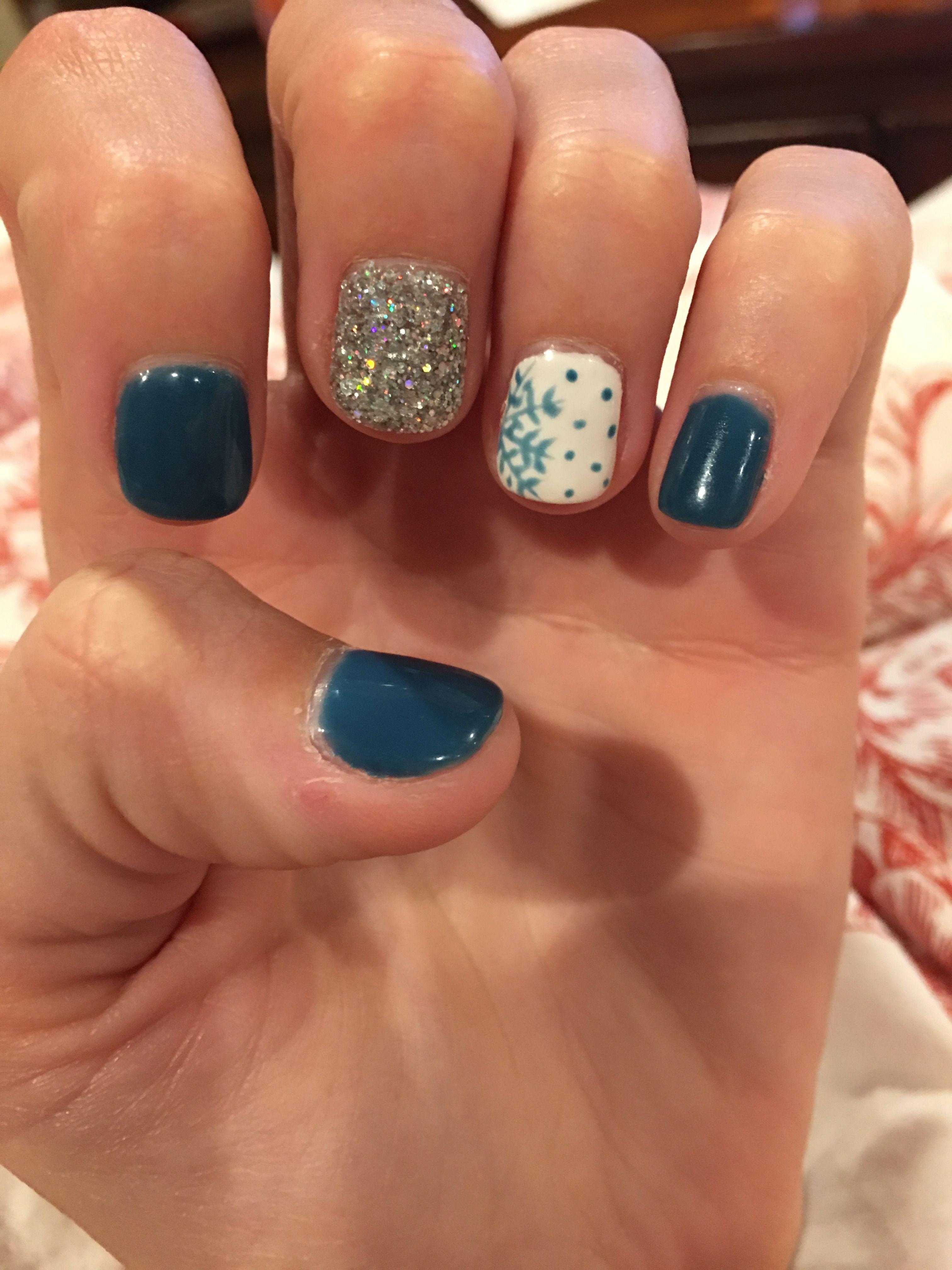 Christmas nails// New Years nails 2017/2018 #1weekold   Nails ...