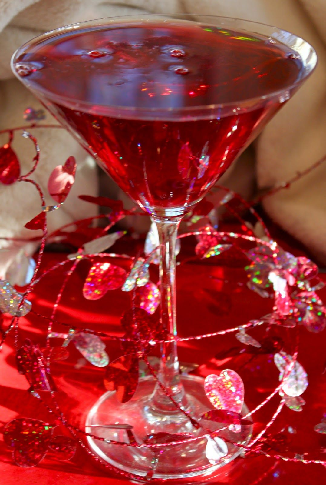 La Bella Vita Ruby Red Pomatini For Valentine S Day Cheer Ruby Red Pretty Drinks Healthy Cocktails