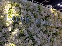 how did they make kim kardashians wall of flowers google on kim wall id=73770