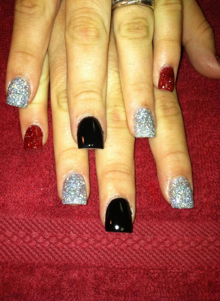 Red Black And Silver Nails Redglitter Silverglitter Flatblack Glitter Awesomenails Nailsbyamber