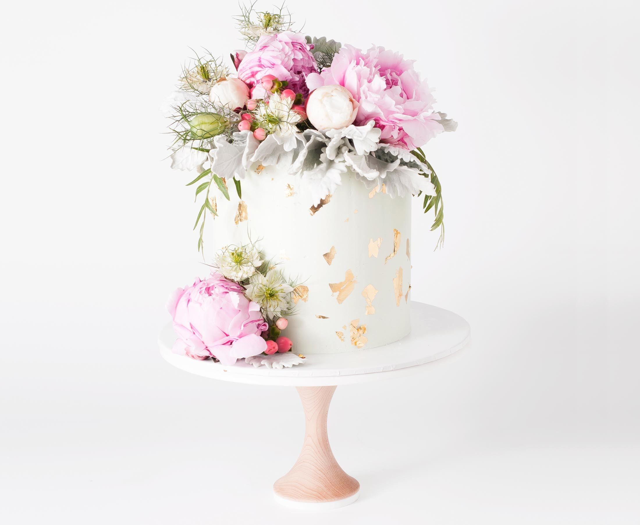 Buttercream cake with flowers in 2019 Buttercream cake
