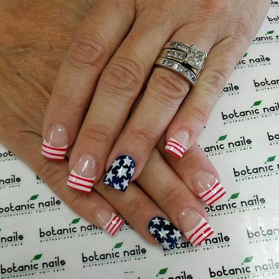 Fourth of July. Patriotic botanic nails.