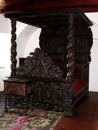 Dark Romance..gothic Bed