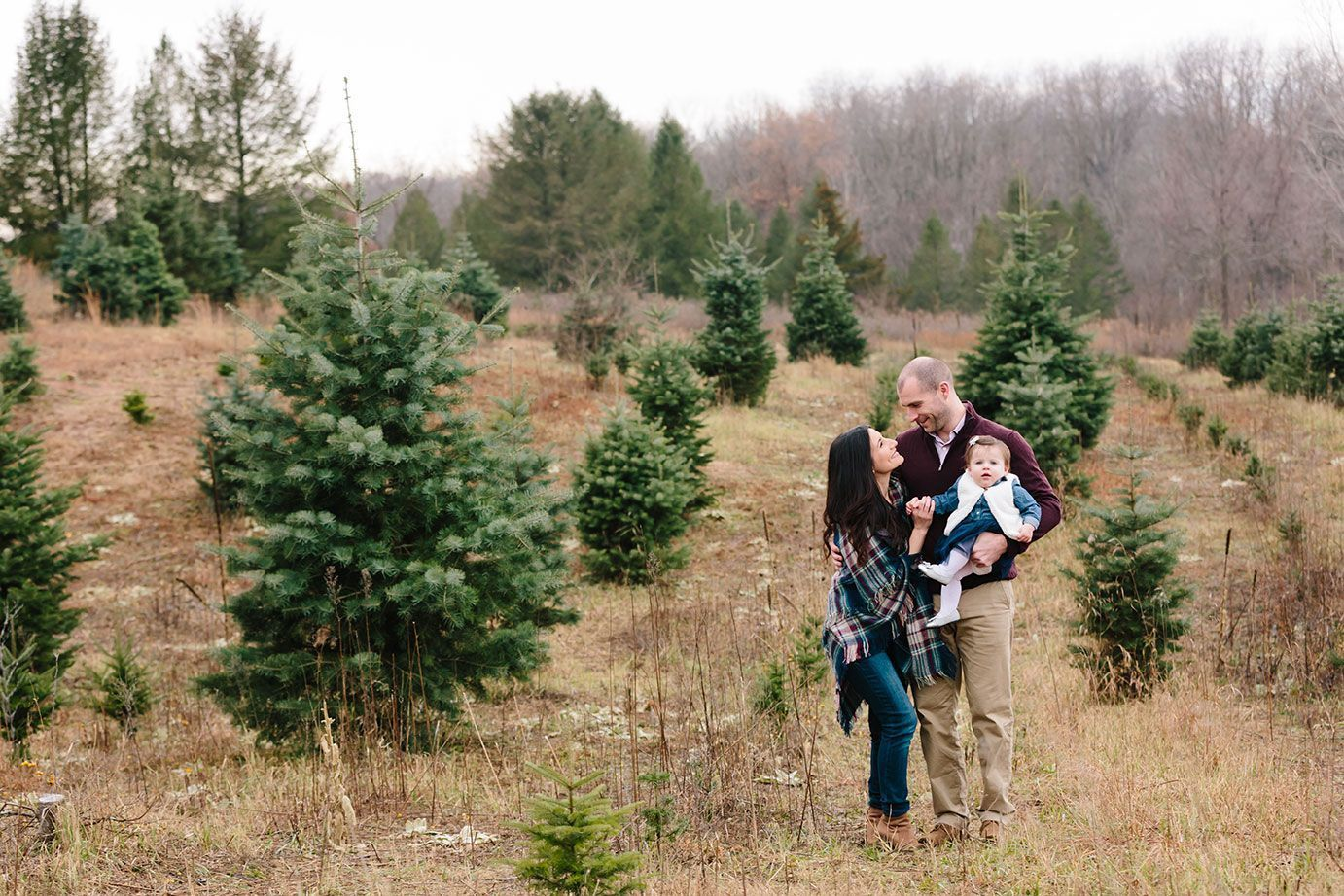 Winter Family Photography In Michigan Winterfamilyphotography Caledonia Christmas Tree Farm Winter Family Photography Winter Family Pictures Winter Family