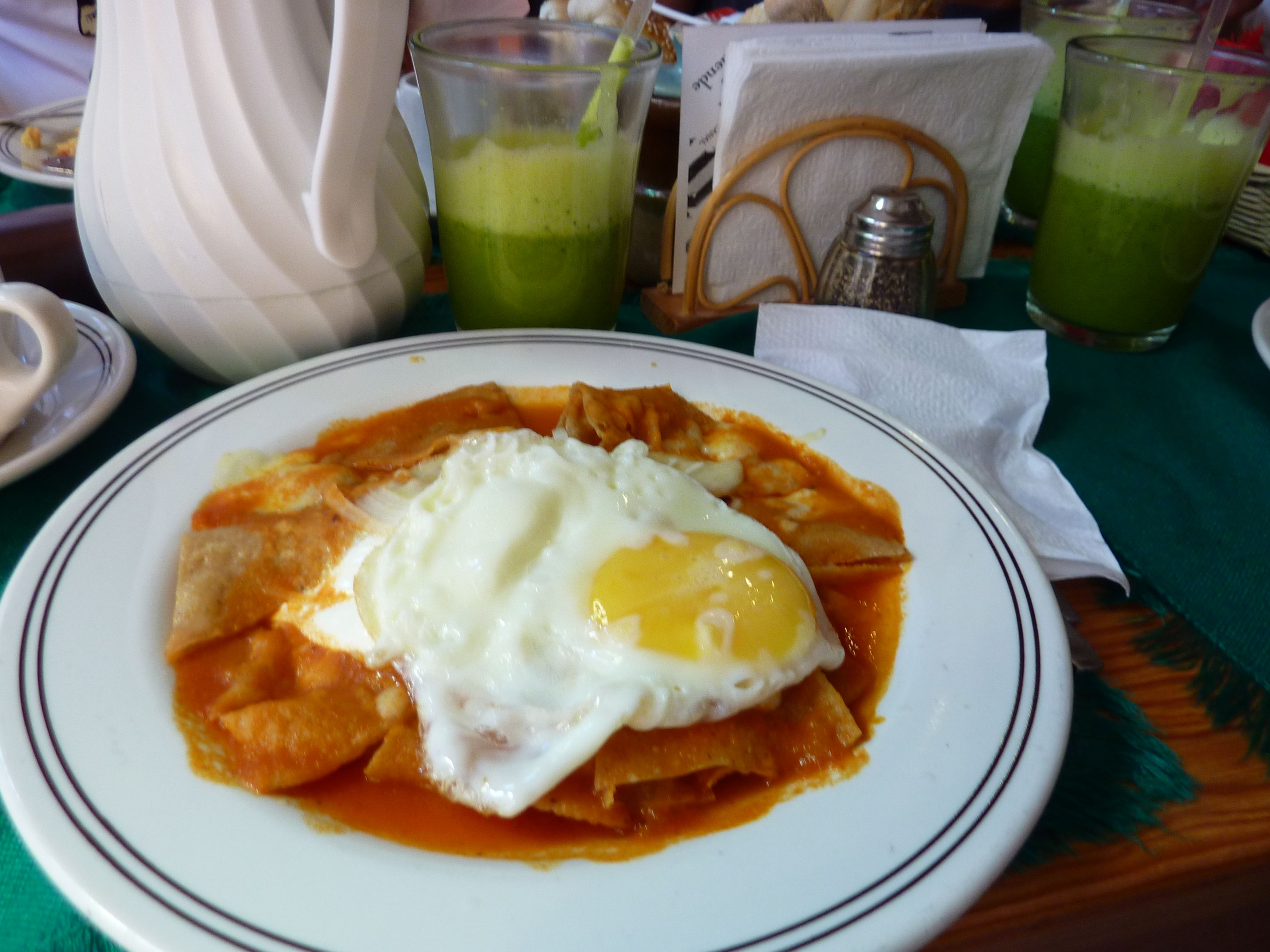 Chilaquiles rojos food drink food mexican food recipes