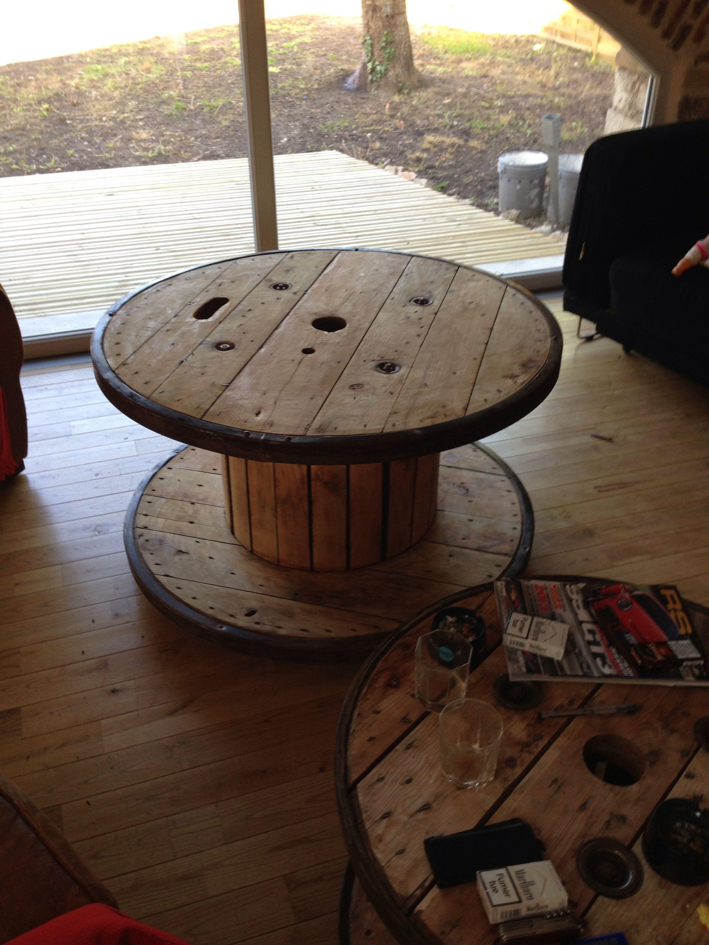 ancien touret cercl en acier transform en table basse de 1 20 m de diam tre mes conceptions. Black Bedroom Furniture Sets. Home Design Ideas