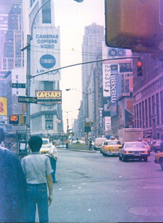 Street Scenes Of New York In 1984 Through Italian Guys Lens Street Scenes Italian Men New York