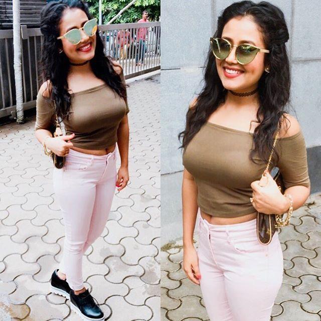 Lookoftheday Neha Kakkar Dresses Neha Kakkar Tough Clothes