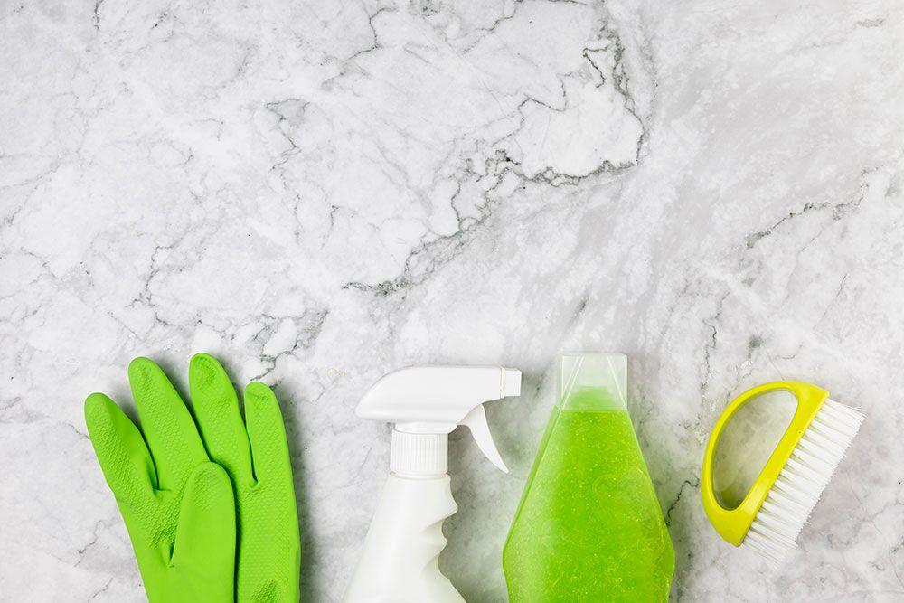 طريقة تنظيف الرخام الطبيعي بالمطبخ من الدهون والصناعي اكتشفي افضل طرق غسيل السيراميك والبلاط In 2021 Marble Cleaning