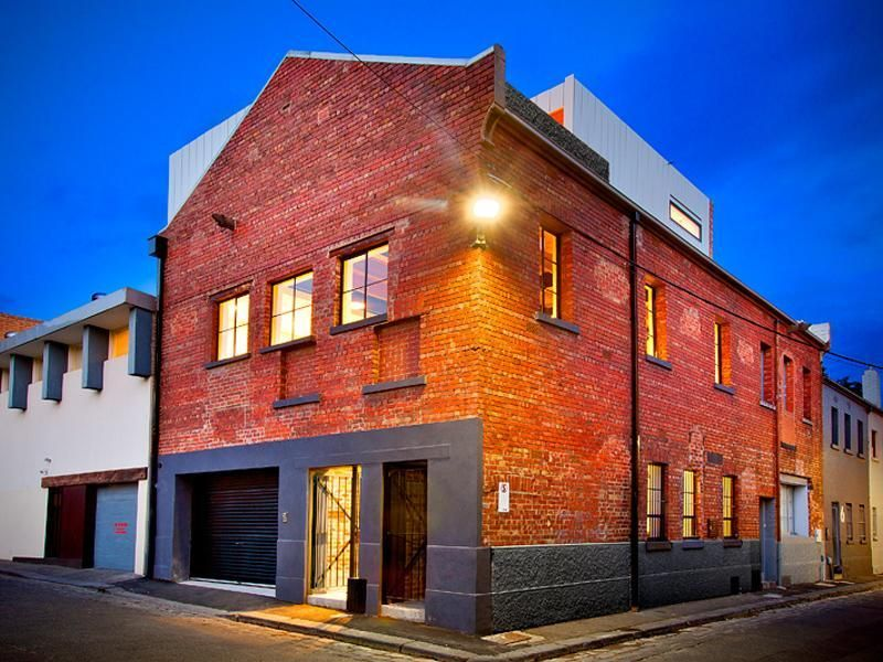 Warehouse Conversion At 2 Victoria Court North Melbourne