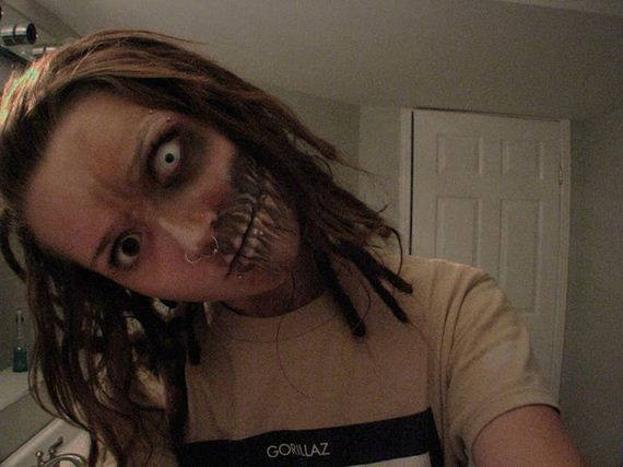 Creating Zombies with Makeup (7 Pictures)