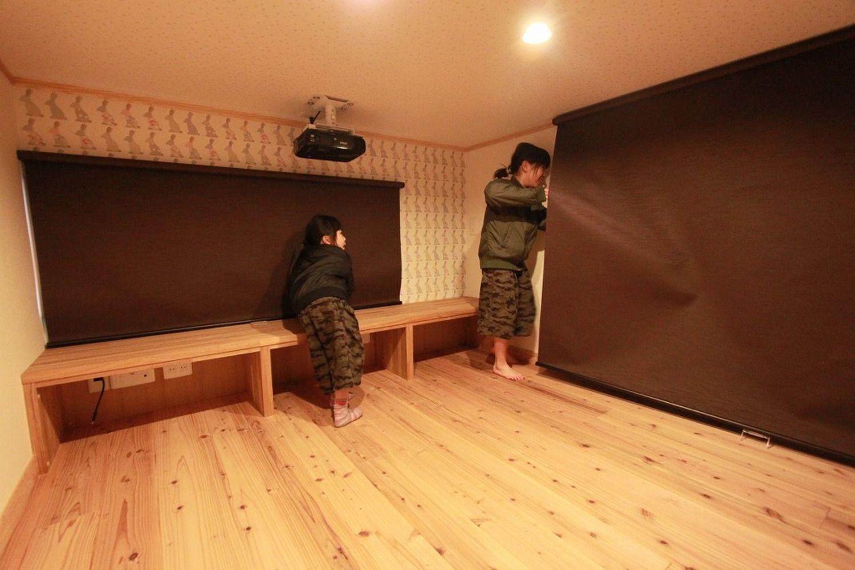ロフトにシアタールームのある平屋のお家 アンシン建設工業の写真集 シアタールーム ロフト 平屋ロフト