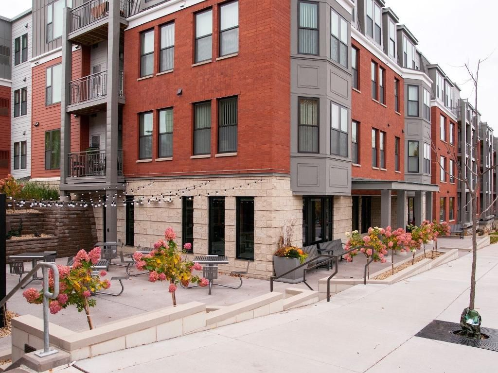 The Cambric Senior Living In Saint Paul Mn After55 Com In 2020 Senior Living Rental Apartments Heated Garage