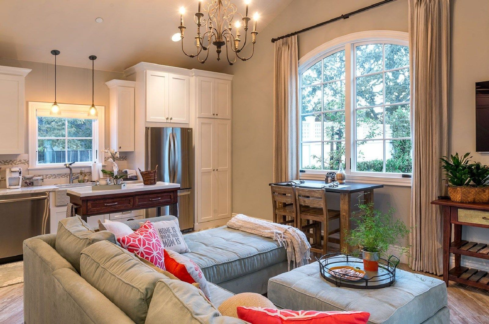Best Awesome Carriage House Interior Ideas (5) | Backyard ...