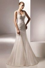 This wonderful Wedding Dresses  Elegant Mermaid With The V Neckline And The Fantastic Skirt Wedding Dress  This beatiful women wedding dress use the Organza material, the front V-Neck neckline compose this elegant and charming dress. Mermaid outline match with your unique and sexy appeal.Dressaler.com offer you the best princess wedding dresses There must be one for you. - $172.79